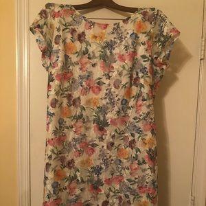 Women's lined floral sheath dress. Size 18/20